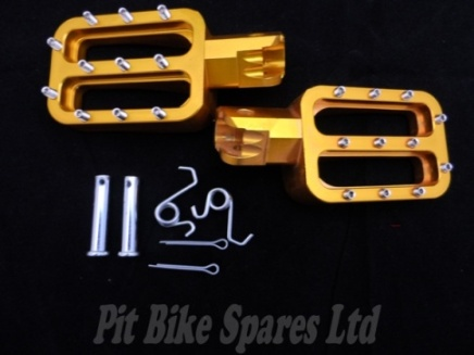 Gold CNC Studded Foot Pegs For Pit Bike. Foot Rests, Footpegs