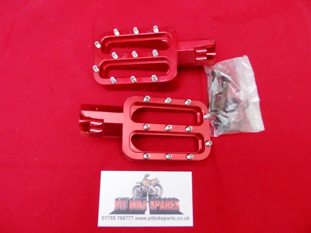 Red CNC Studded Foot Pegs For Pit Bike. Foot Rests, Footpegs